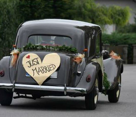 Beispiel: Vermittlung eines Hochzeitsautos, Foto: your-weddingplaner.ch.