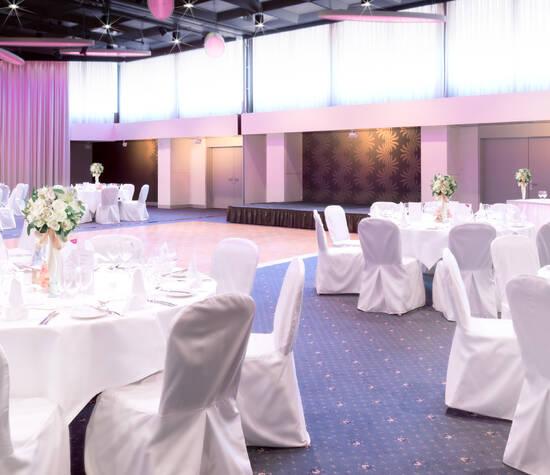 Beispiel: Dekoration im Gottfried Keller Ballsaal