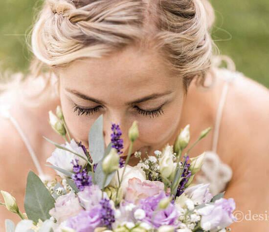 Brautmake-up und Flechtfrisuren von Désirée Ilg