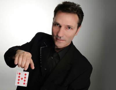 Magier Auckerfield